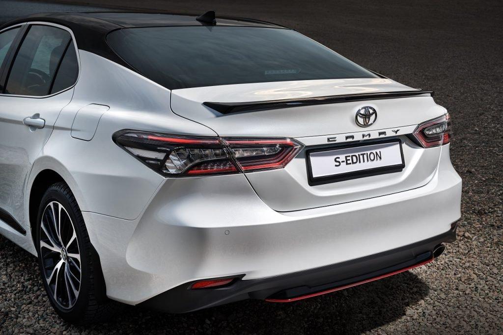 Toyota выпустила «оспортивленную» Camry