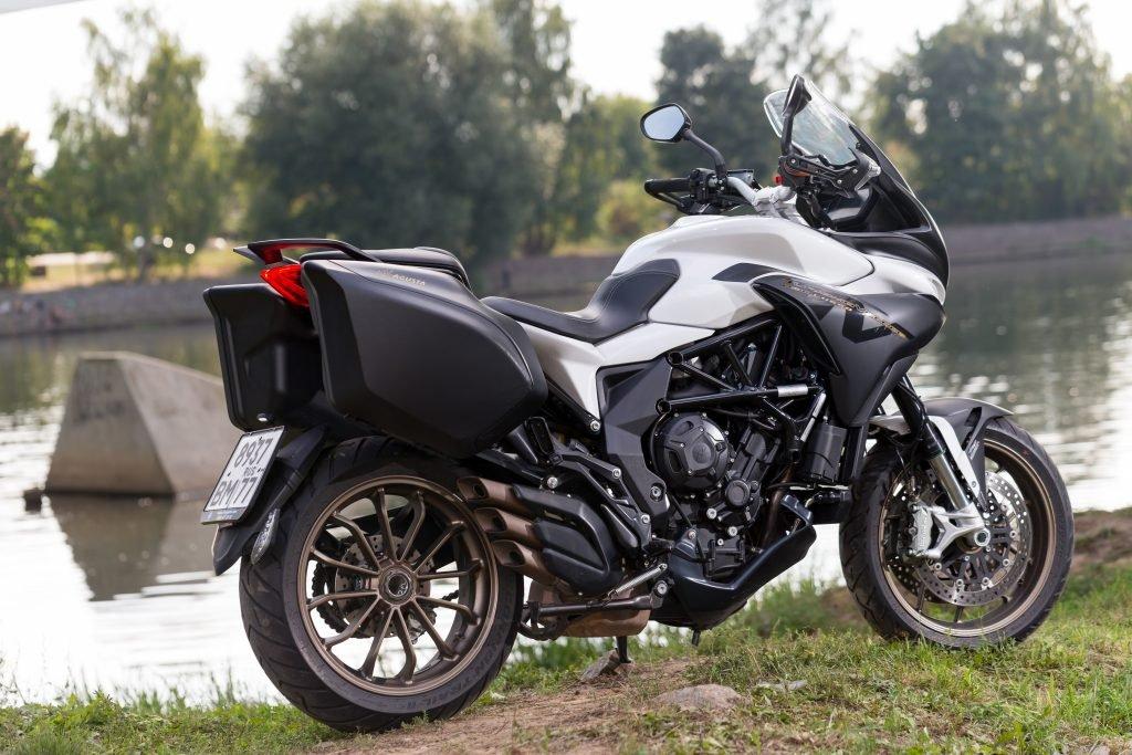 Мотоцикл за 2 миллиона, у которого есть всего два недостатка: MV Agusta Turismo Veloce Lusso 800