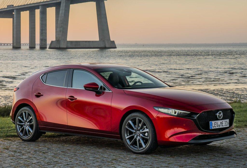 Mazda3 попала под отзыв в России