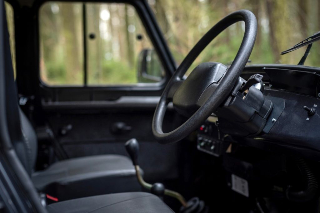 Чехи сделали электромобиль на базе УАЗ «Хантер»