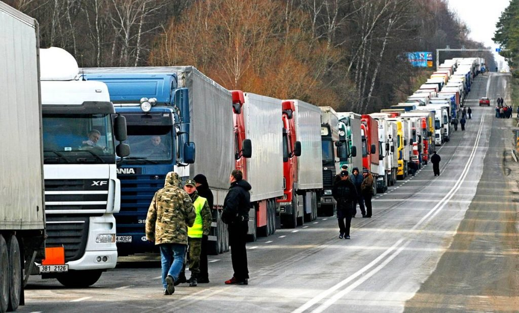 Россия закрыла границы для личного перемещения