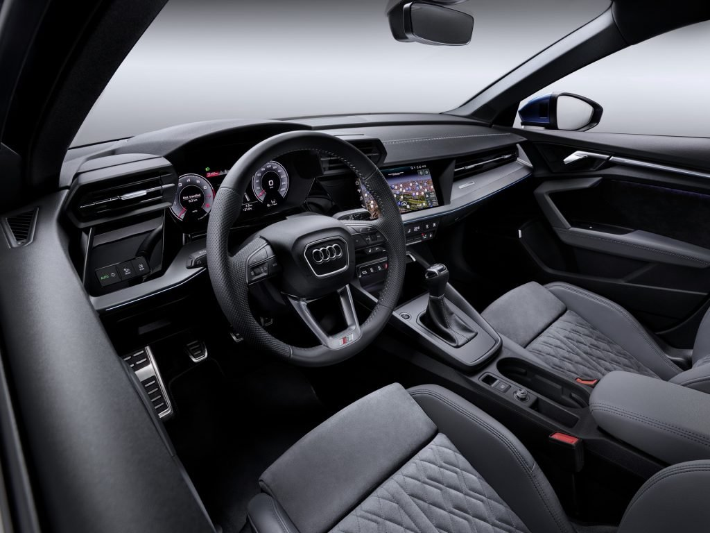Новый Audi A3 намекнул на дальнее родство с Lamborghini
