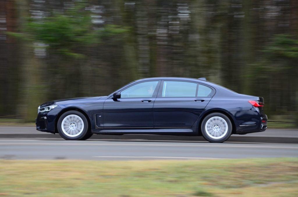 Тест BMW 7-й серии. Самый противоречивый баварский седан