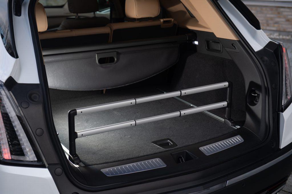 Тест-драйв обновлённого Cadillac XT5 с «пакетом сока» под капотом
