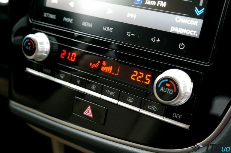 Обновленный Mitsubishi Outlander порадует активных водителей