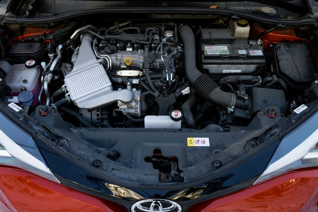 Что понравилось и нет в обновленной Toyota CH-R. Тест на эмоциях