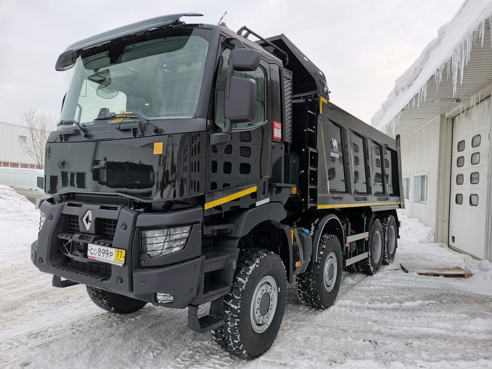 Первый в России самосвал Renault Trucks K 8×8 передан клиенту
