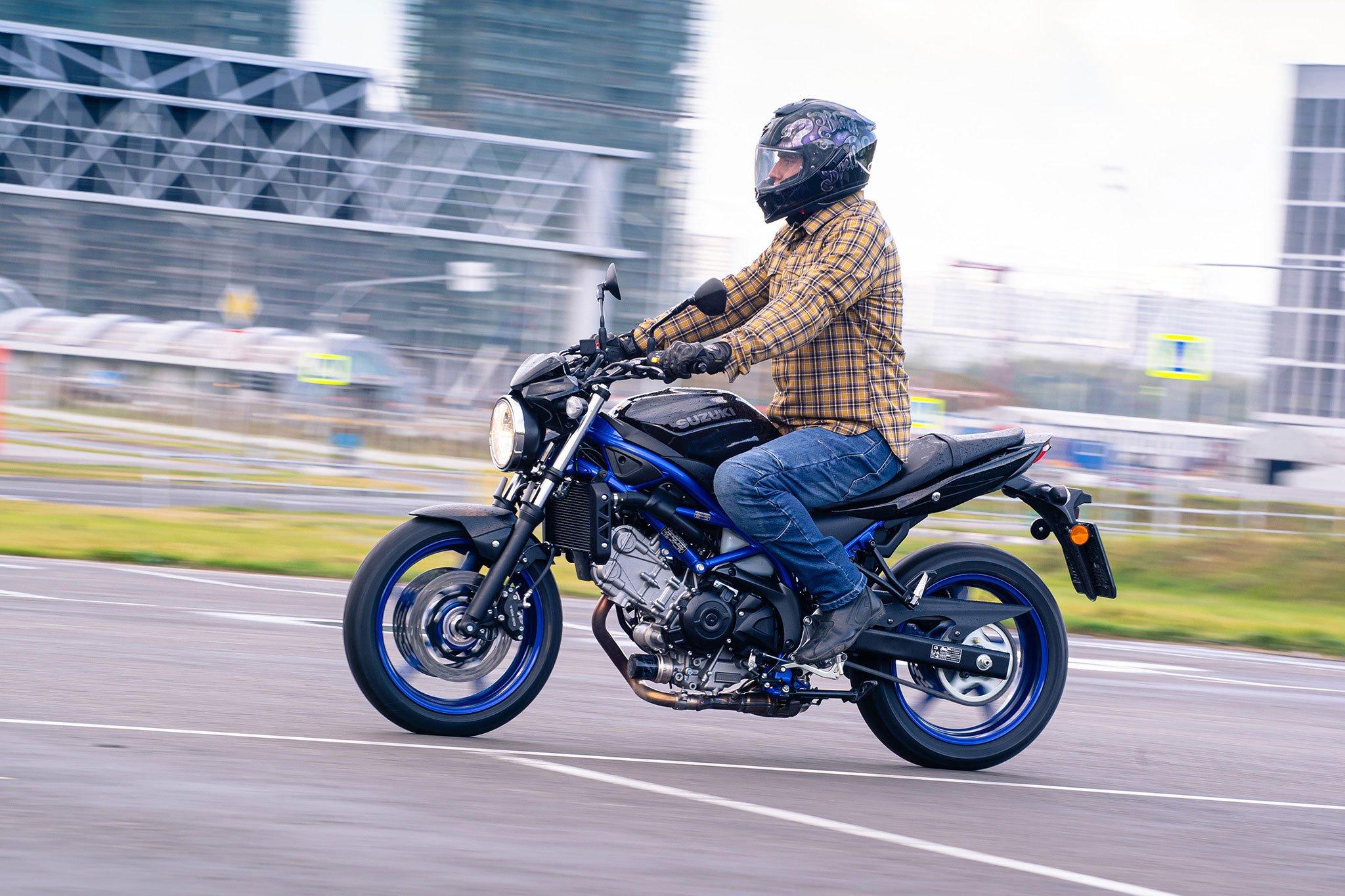Suzuki SV650A: выглядит просто, стоит как автомобиль, но конкурентов почти нет