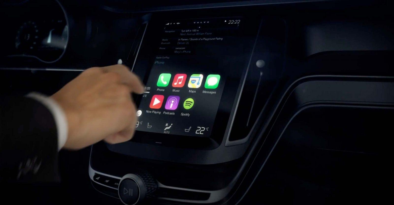 Сенсорные дисплеи в автомобилях опаснее пьяного вождения