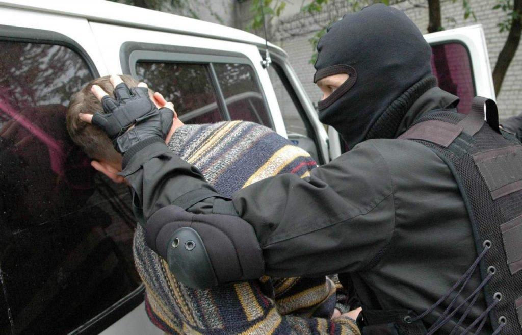 Полицейским хотят дать право вскрывать автомобили россиян