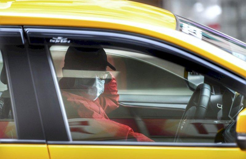Власти объяснили порядок пользования такси в Москве с 15 апреля