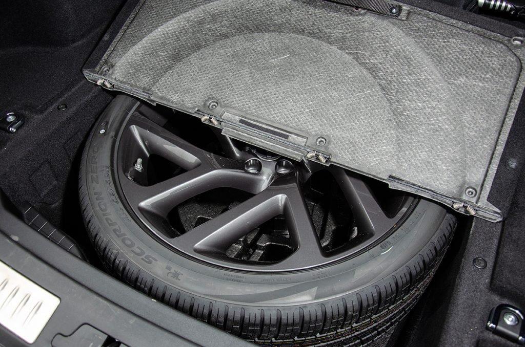 550 сил, 680 Нм и 4,5 с до «сотни»: тест самого мощного и быстрого Range Rover Velar
