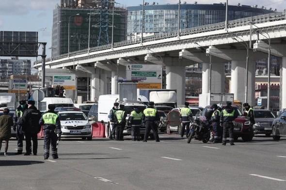 В Москву не пускают иногородние автомобили