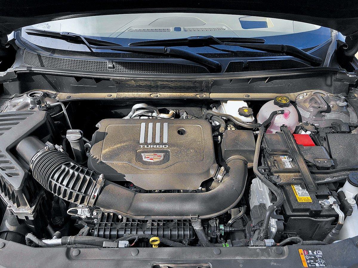 Почему 4 цилиндра лучше, чем 6? Разбираемся на примере кроссоверов Cadillac XT5 и XT6