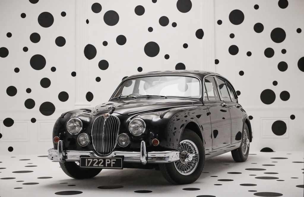 """С днем рождения, """"кошка""""! Jaguar празднует 85 лет."""