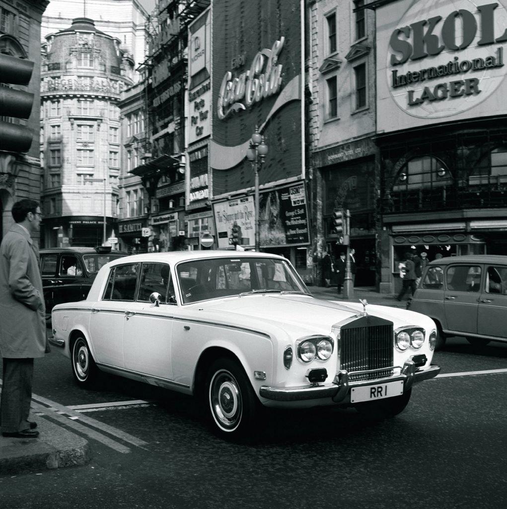 """""""Не падайте духом!"""" — плейлист от Rolls-Royce с легендами поп и рок-музыки прошлого века"""