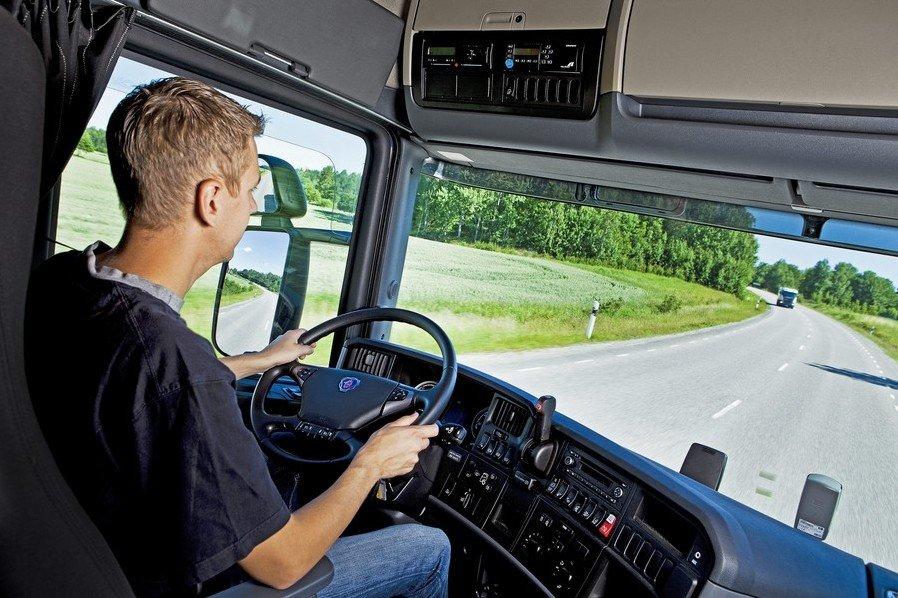 Роспотребнадзор: водители должны соблюдать самоизоляцию, но лишь между рейсами