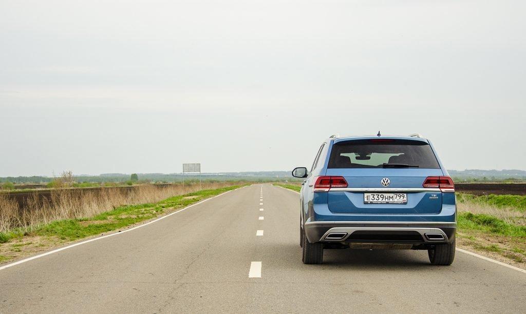 Volkswagen Teramont: покупать или нет? Два мнения.