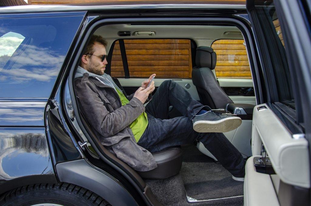 Поменял офис на Range Rover и не жалею!