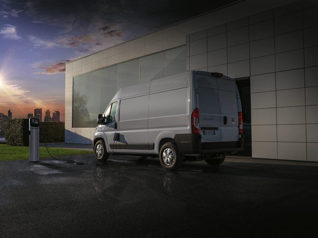 Fiat Professional готовит к серийному производству фургон Fiat E-Ducato