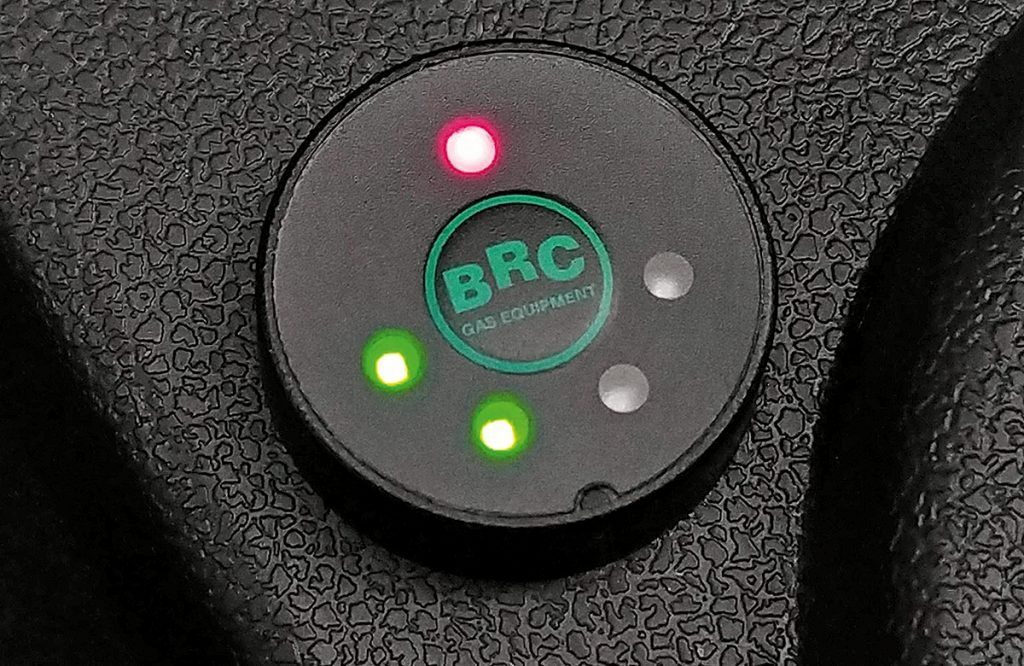 Взял Lada Largus CNG: рассказываю, сколько сэкономил на метане за 5000 км