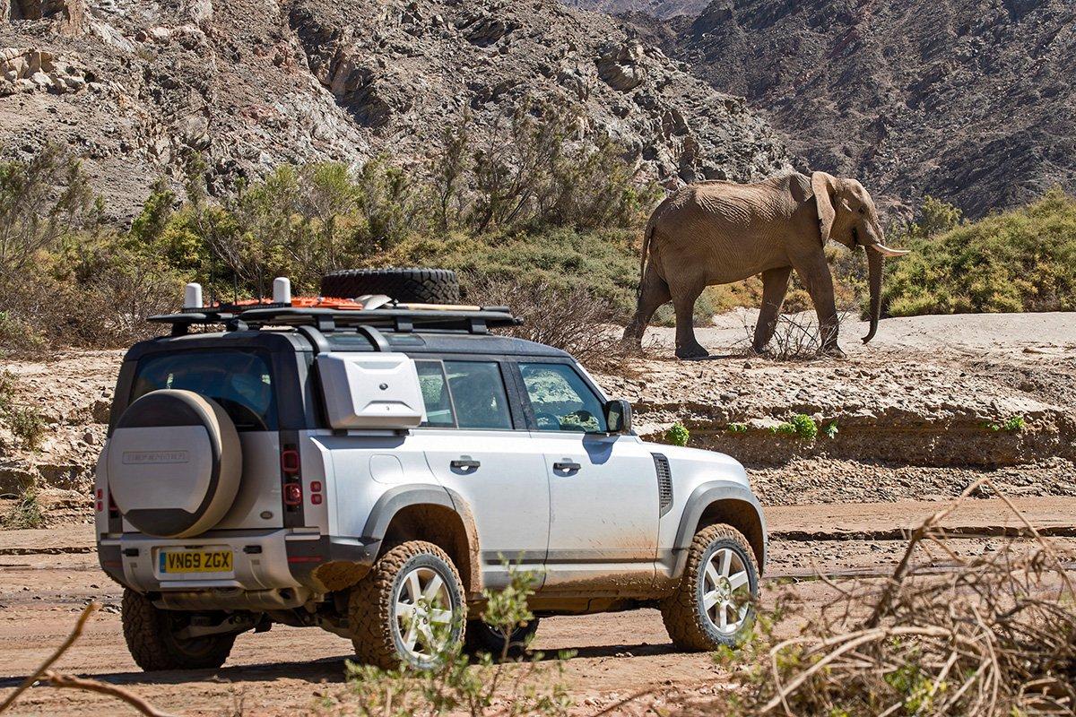 Как новый Land Rover Defender лишился рамы и стал круче предшественника