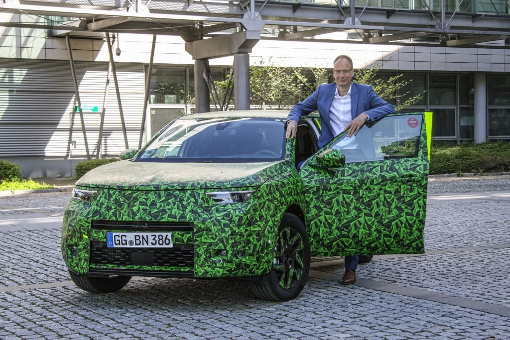 Opel Mokka нового поколения впервые показали на видео