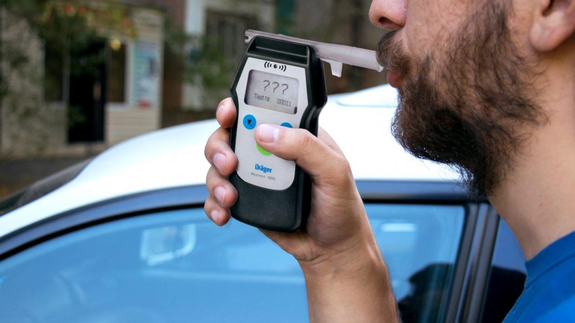Проверки водителей на опьянение снимут на камеру