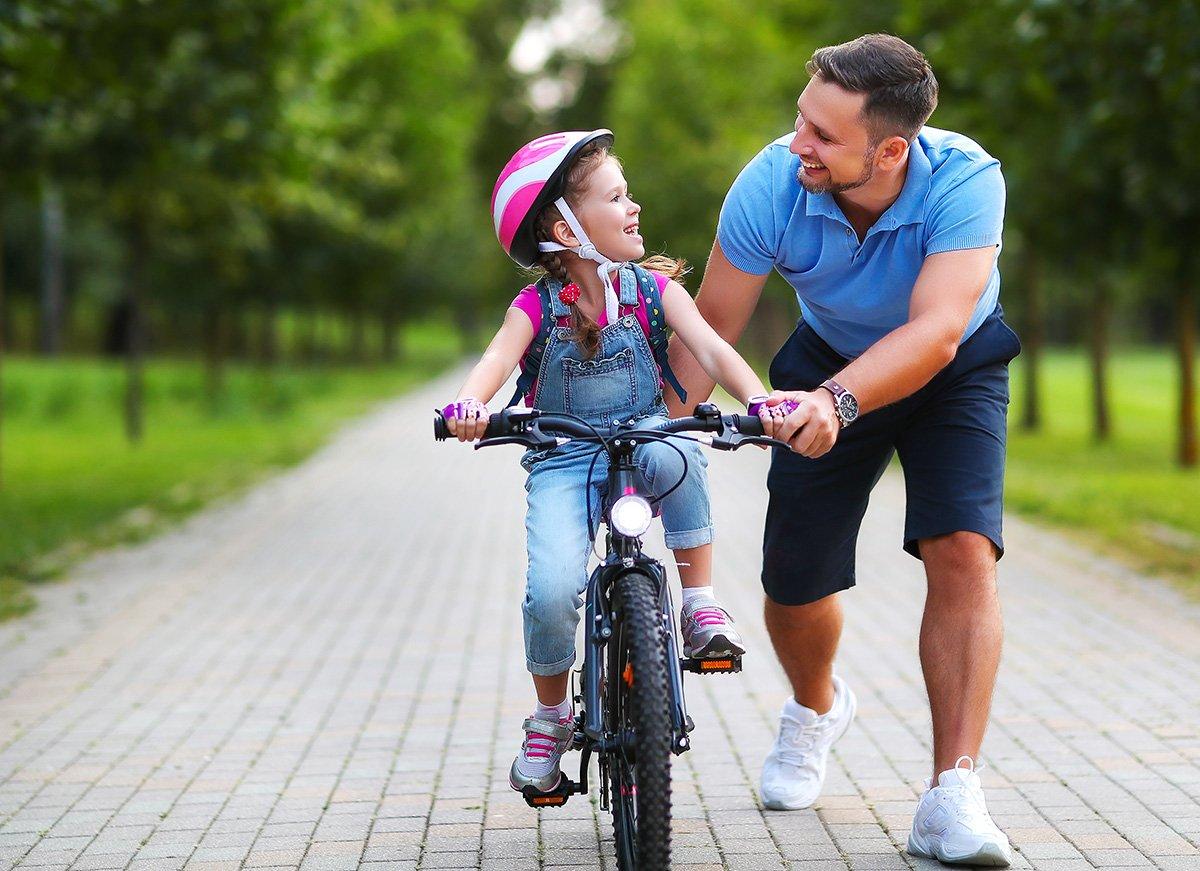 Как научить ребенка соблюдать ПДД при езде на велосипеде