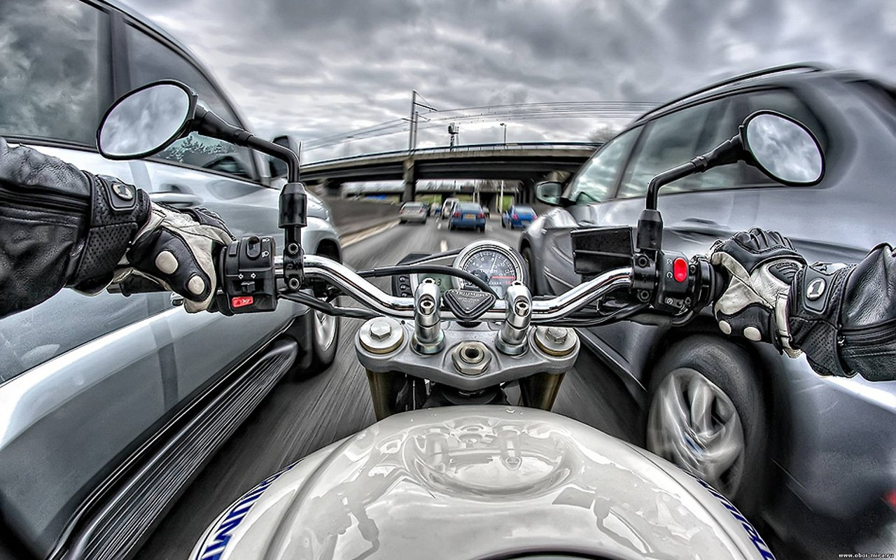 Мотоциклистов хотят лишить главного преимущества над автомобилистами