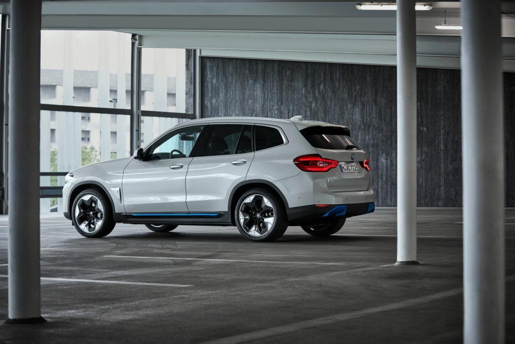 BMW собирается поставлять iX3 в Европу из Китая