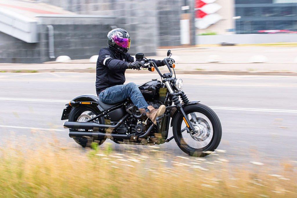 Тест Harley-Davidson Street Bob: чем удивил простой «Харлей»