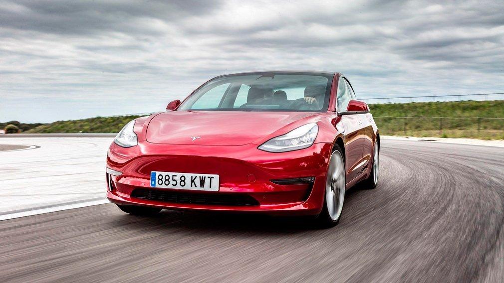 Илон Маск планирует выпустить бюджетный электромобиль