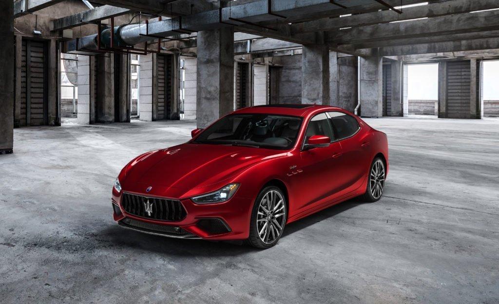 Maserati представил мощнейшие седаны в своей истории