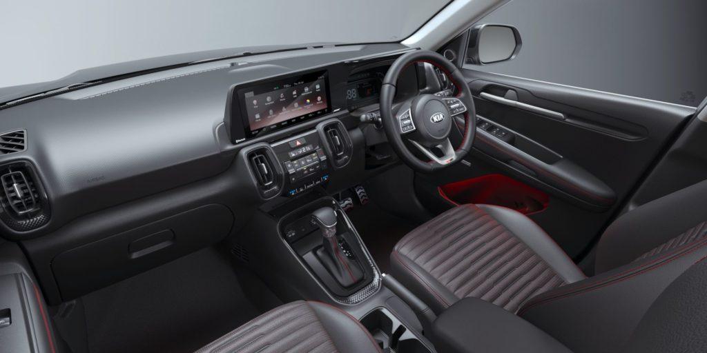 Новый доступный кроссовер Kia Sonet поставил в тупик ассортиментом коробок передач