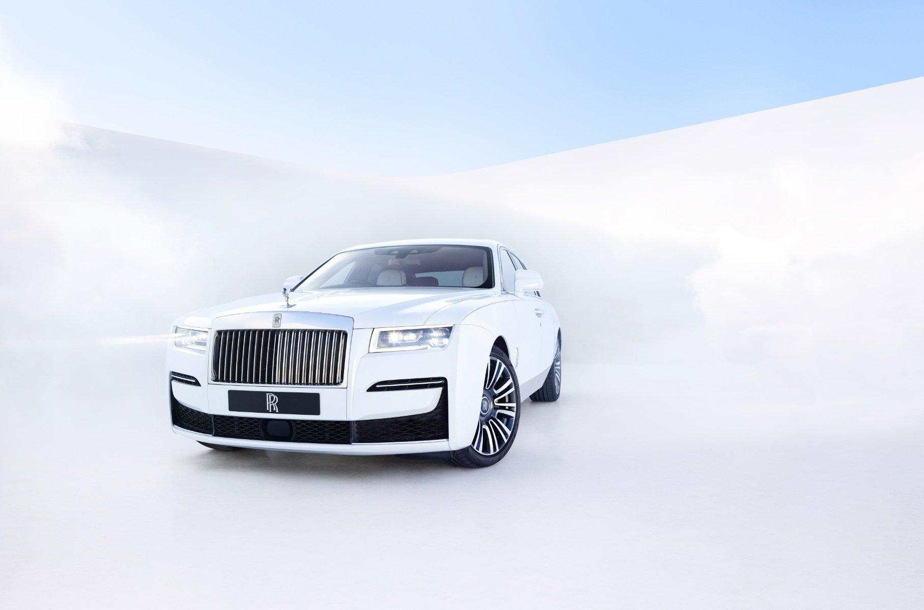 Rolls-Royce представил самую технологичную модель