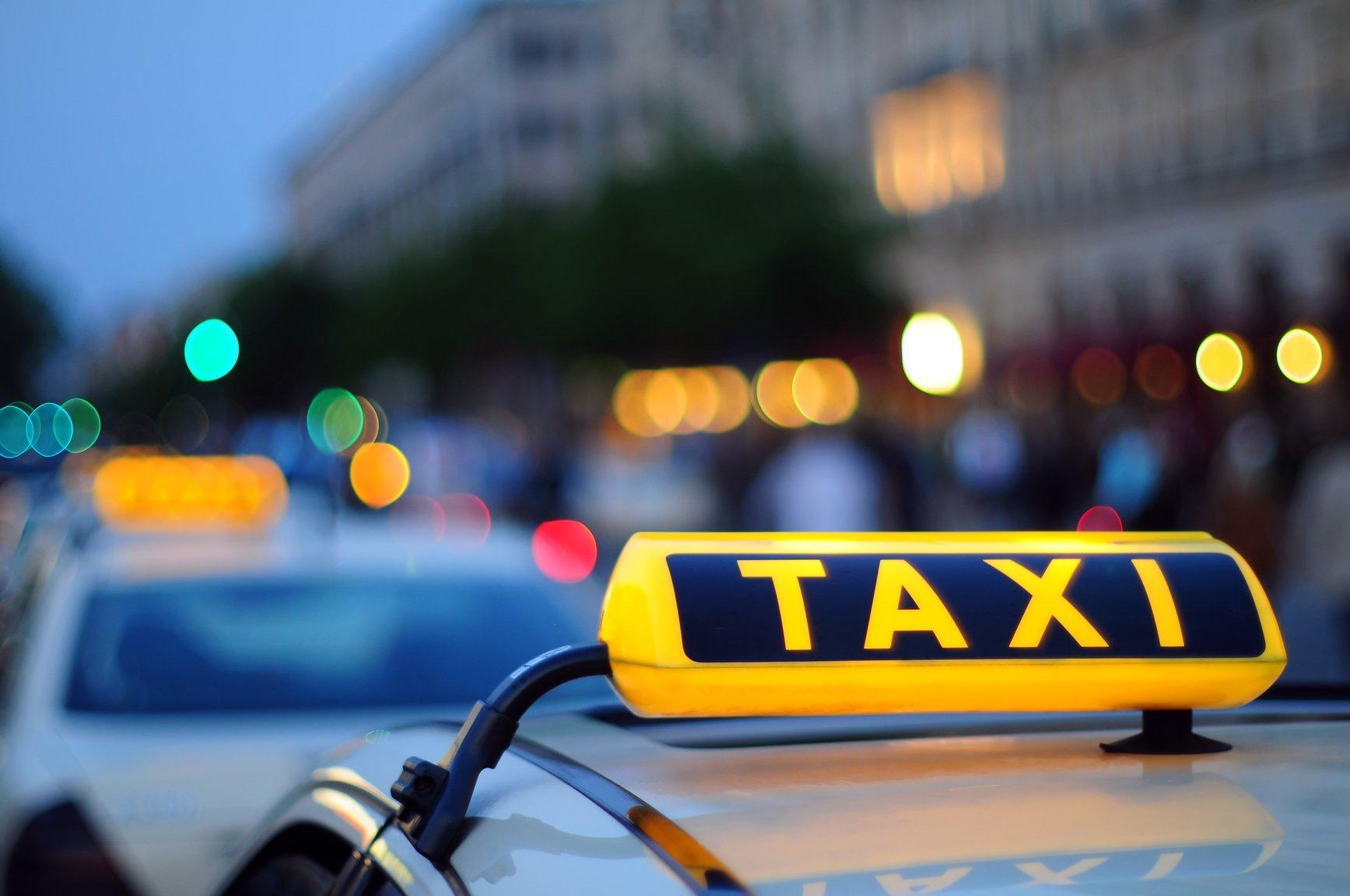 Службы такси хотят обязать нести ответственность за пассажиров