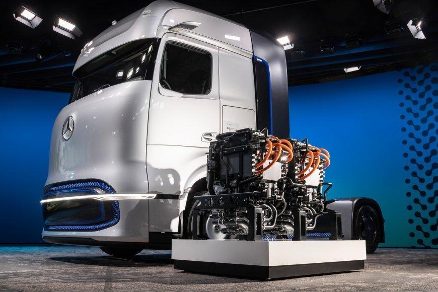 Mercedes-Benz представил грузовик с 1000-километровым запасом хода