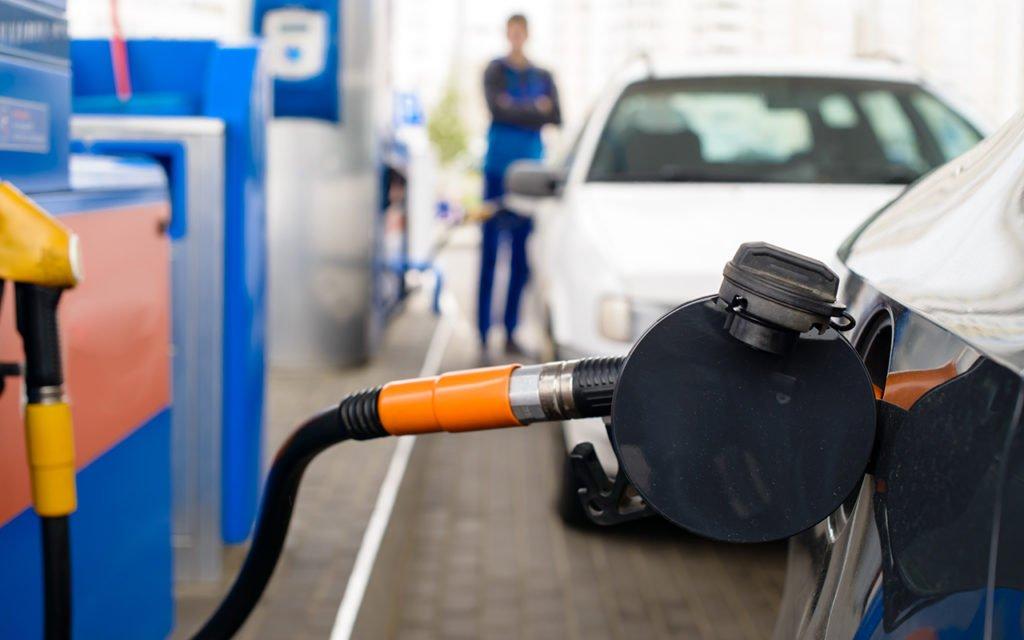 На российских АЗС запретят продавать некоторые виды топлива