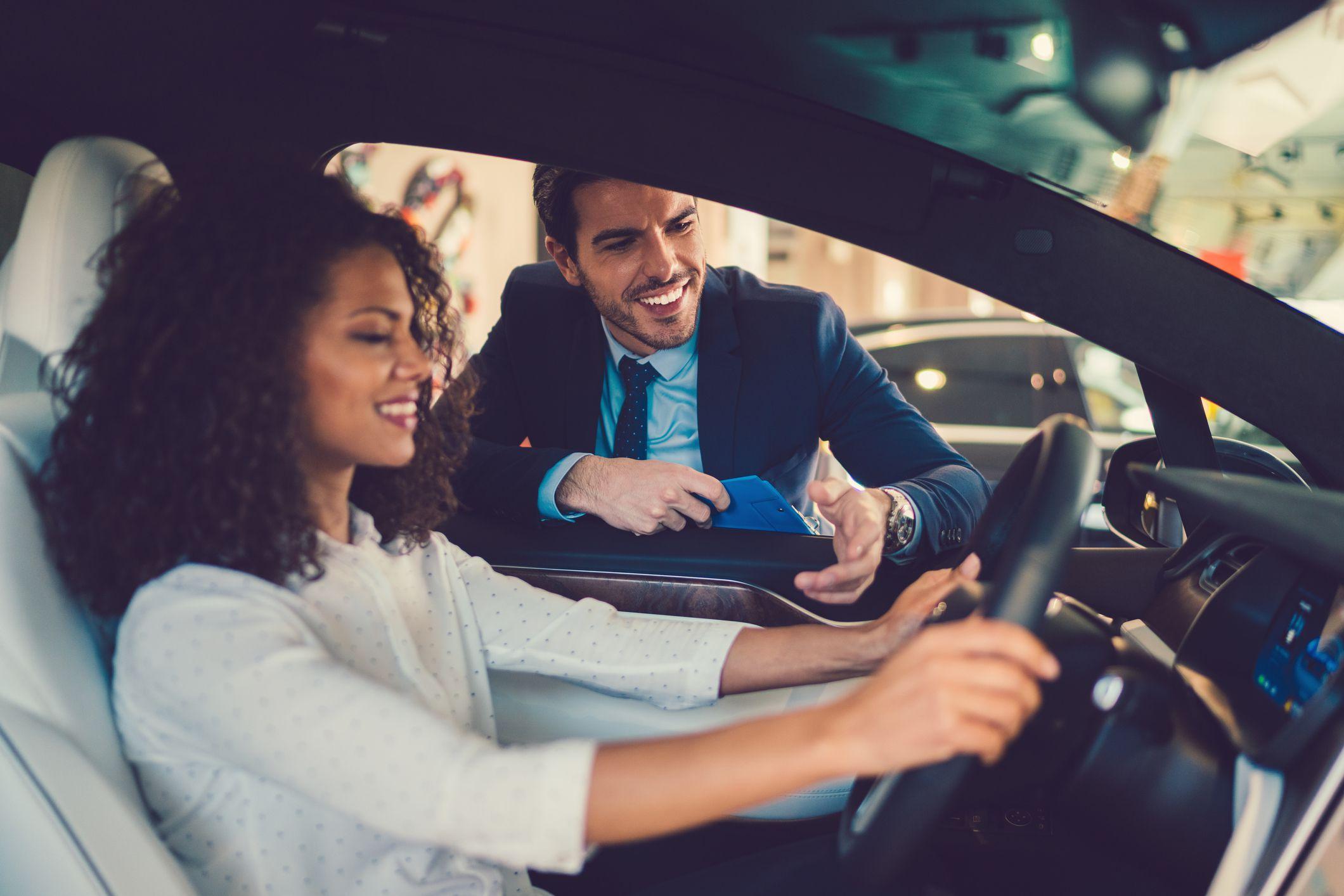Запах нового автомобиля окажется под запретом