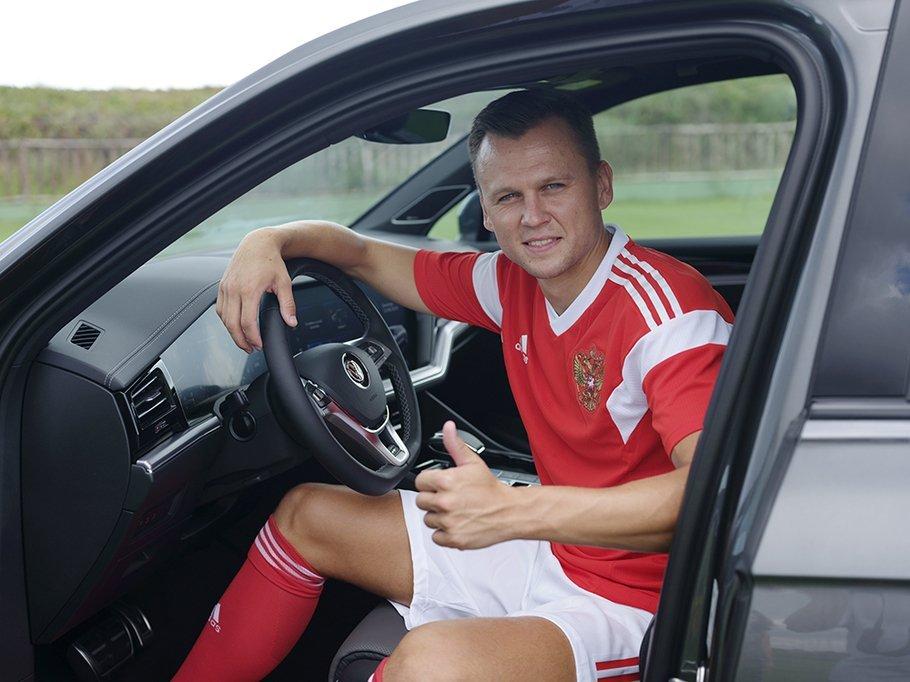 Volkswagen передал Touareg футболисту национальной сборной Денису Черышеву