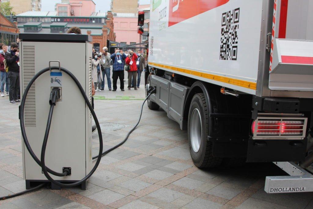 «Магнит» и Drive Electro запустили в эксплуатацию первый российский электрогрузовик