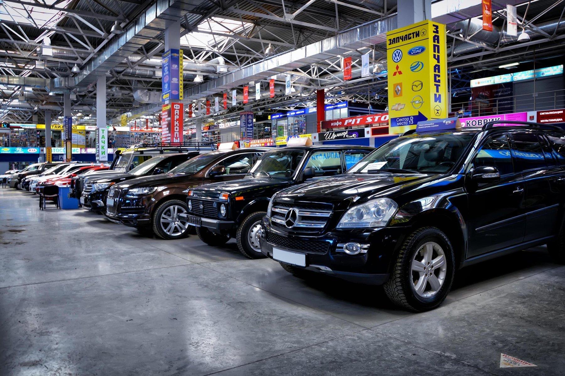 Продажи новых автомобилей в России пошли вверх