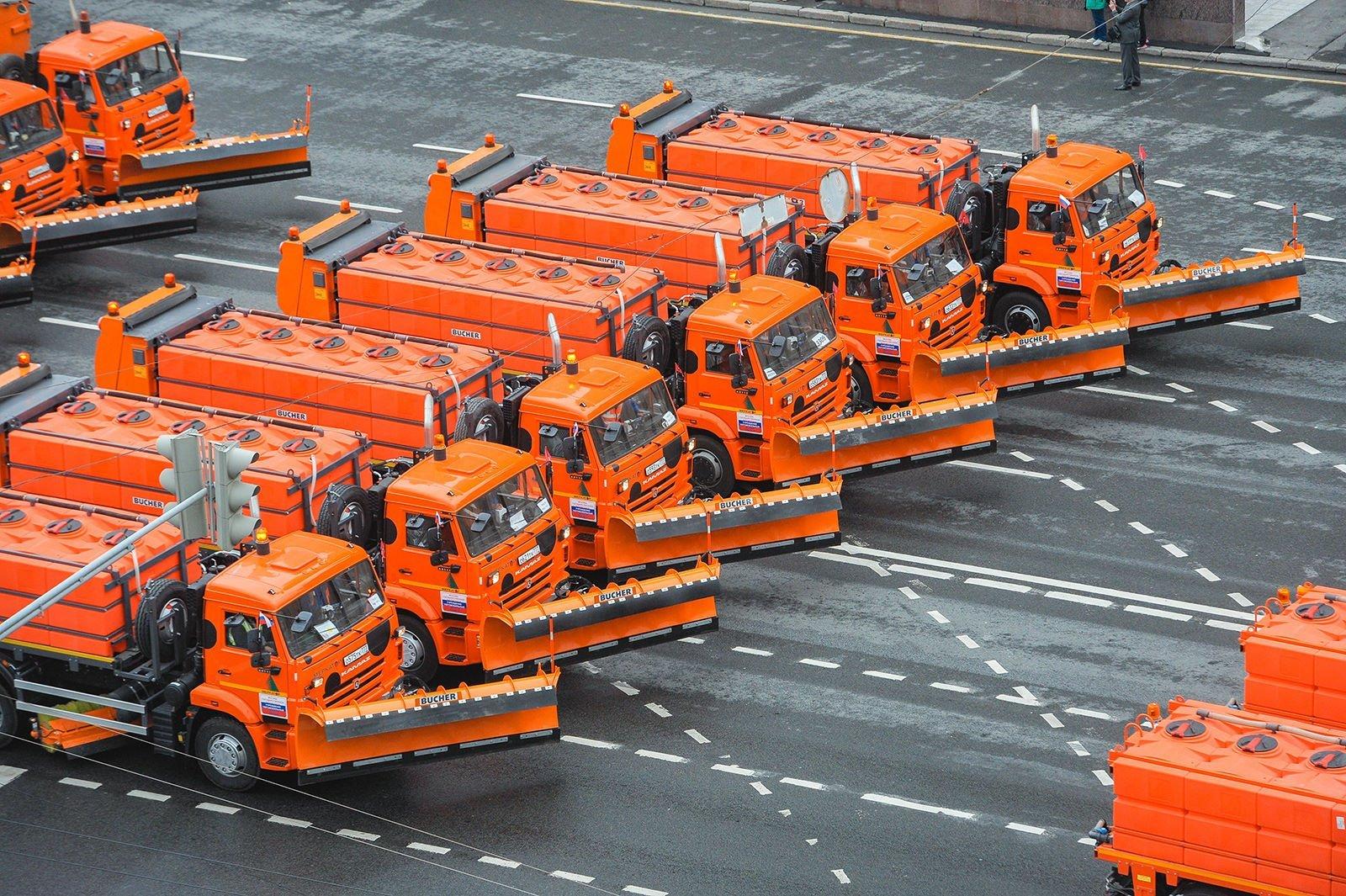 Собянин заявил о лидерстве Москвы по использованию дорожной техники