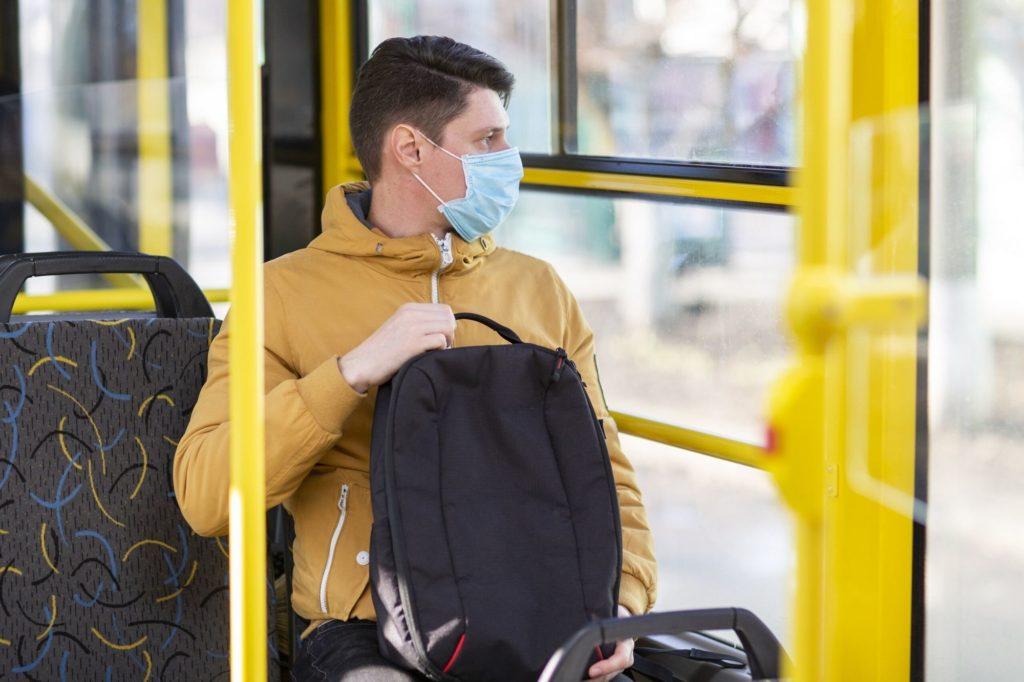 Московских пассажиров не пустят в транспорт без масок и перчаток