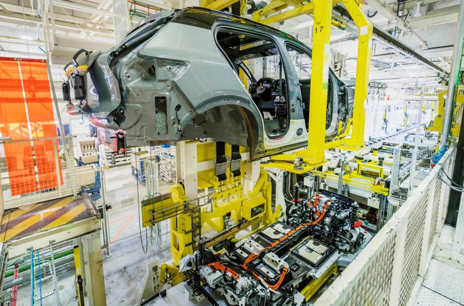 Volvo начал производство своего первого электркоара