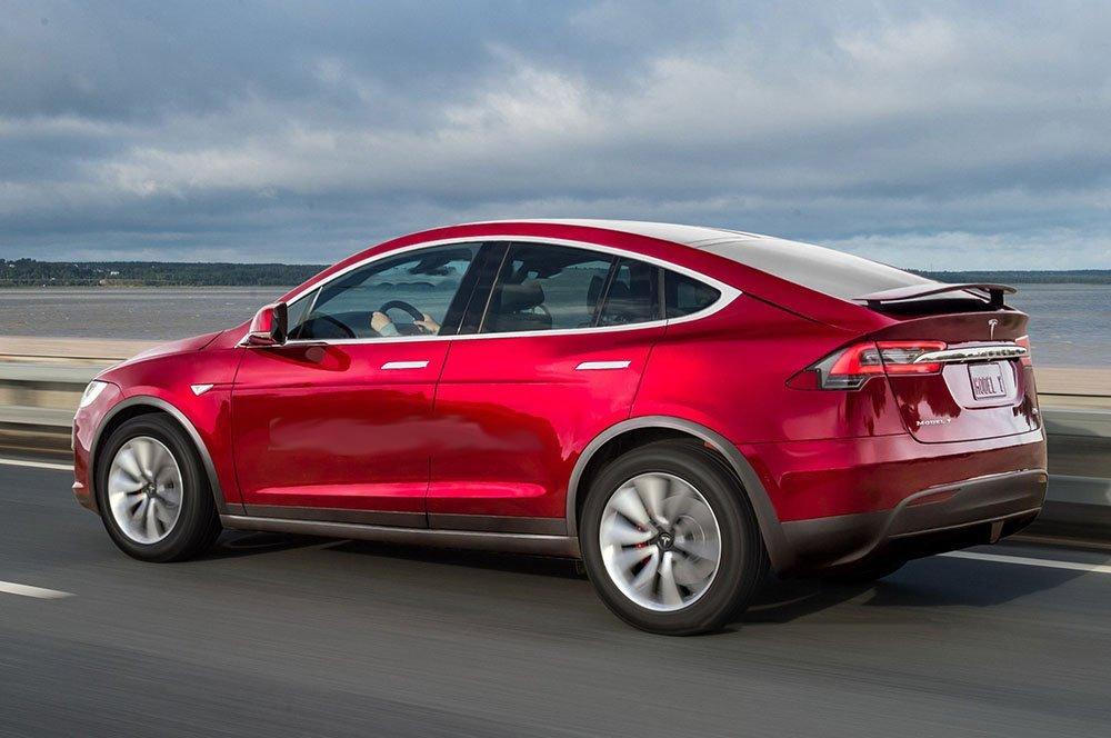 Tesla Model Y станет семиместной