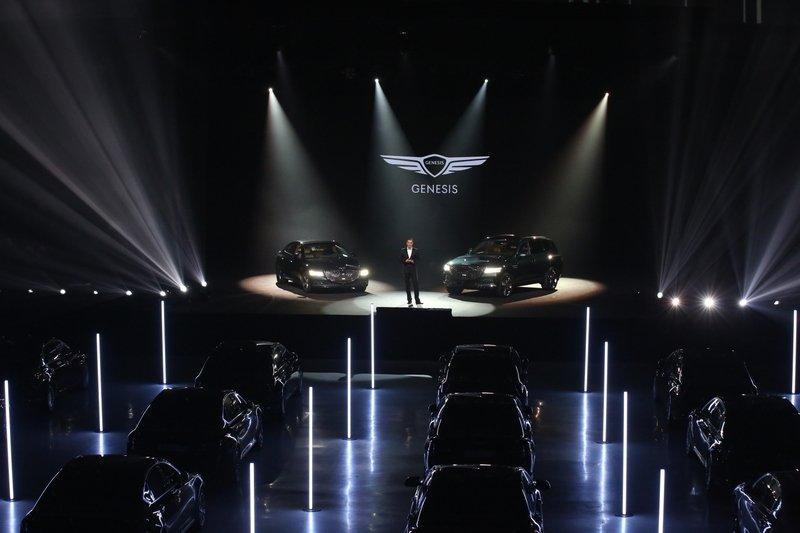 Genesis превратил российский запуск двух новинок в глобальное онлайн-шоу
