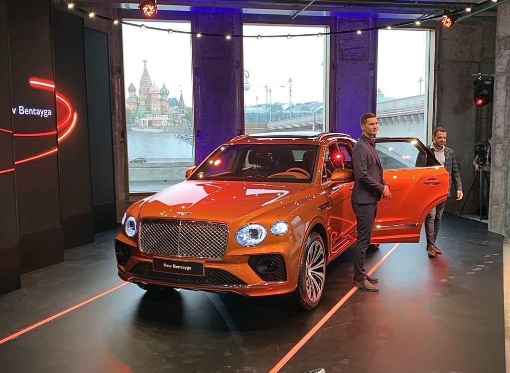 Новый роскошный внедорожник Bentley Bentayga приехал в Россию
