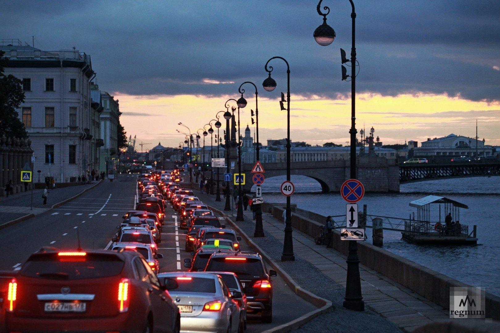 Опрос показал, сколько времени россияне тратят на дорогу до работы